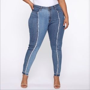 NWT- Center Of Your Universe Skinny Jeans
